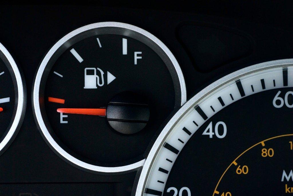 汽车没油了我该怎么办
